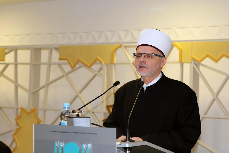Poštovani, Obavještavamo Vas da će u petak 06. marta, 2020. godine hutbu održati i džumu predvoditi u Fehat-pašinoj džamiji u Banja Luci zamjenik reisu-l-uleme prof. dr. Enes-ef. Ljevaković.