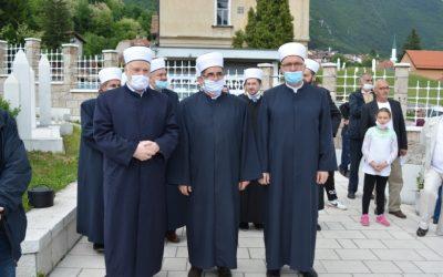 Predstavnici institucija Islamske zajednice u Travniku na Centralnom šehidskom mezarju obilježili Dan šehida
